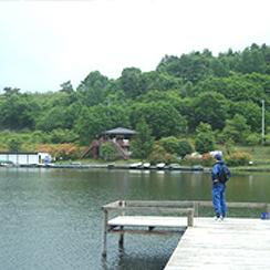 バラギ湖(車5分、徒歩10分)